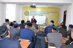 Сансызбай Құрбанұлы Ислам институтында дәріс оқыды