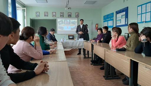 Батыржан Мансұров студенттермен кездесті