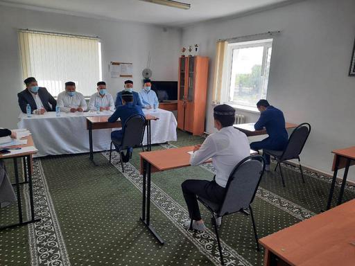 Павлодар: Медресе шәкірттері емтихан тапсырды