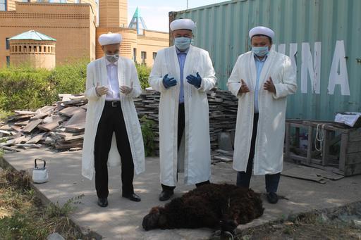 Павлодар: «Мәшһүр Жүсіп» мешітінде құрбан шалды