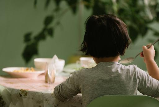 """""""Анашым, егер де сен ішпегенде ғой..."""" Астанадағы «Кәмелетке толмағандарды бейімдеу орталығындағы» балалар не туралы айтады"""