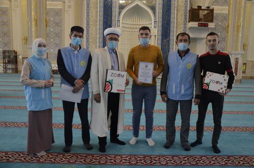 Қарағанды: «Zoom sushi-pizza» дәмханасы халал сертификатын алды