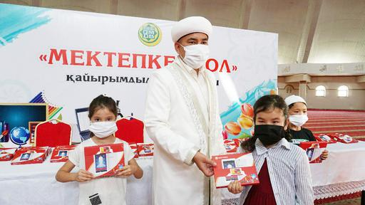 Шымкент: «Мектепке жол» акциясы ұйымдастырылды (ФОТО)