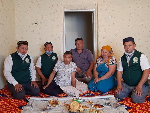 Түркістан: Ауыл тұрғынының отасына қаржы қосты