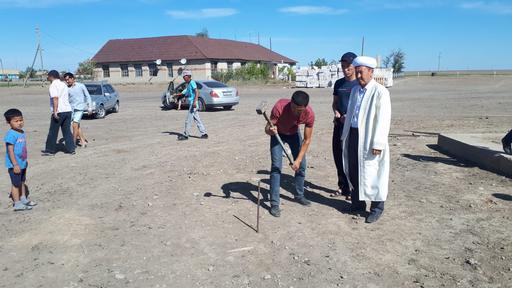 БҚО: Ақпәтер ауылында жаңа мешіттің қазығы қағылды