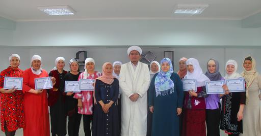 Қызылорда: «Шебер әйел» қолөнер орталығының бітірушілеріне сертификат табысталды