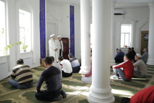 Бас имам – Құрманғазы ауданында