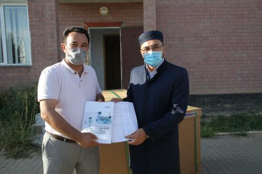Атырау: «Иманғали» мешіті 43 оттегі аппаратын тапсырды