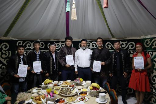 Павлодар: Журналистерді мерекемен құттықтады