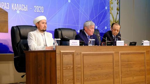 Бердібек Сапарбаев өңір имамдарымен жүздесті