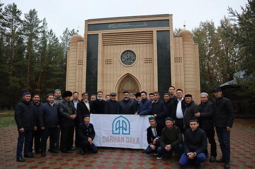 Павлодар: Діни тұлғалар кесенесіне зиярат етті