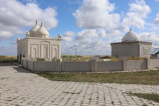 Павлодар: Исабек ишан кесенесін зиярат етті