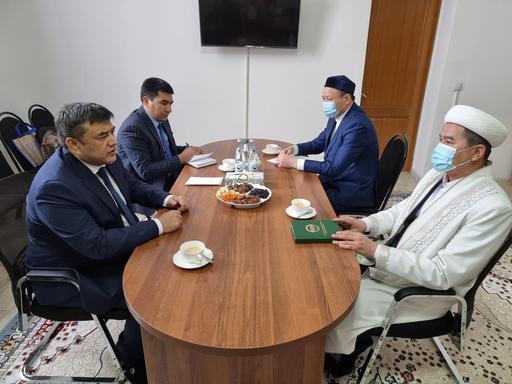 Маңғыстау: Бас имам Өзбекстанның бас консулымен кездесті