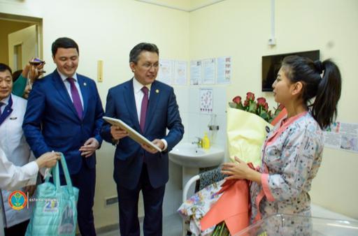 Тұңғыш Президент күнінде Астанада 30-ға жуық сәби дүние есігін ашты