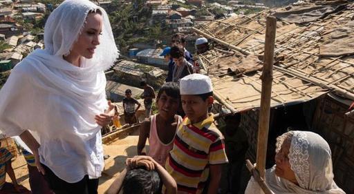 Анджелина Джоли рохинджа мұсылмандарының лагеріне барды