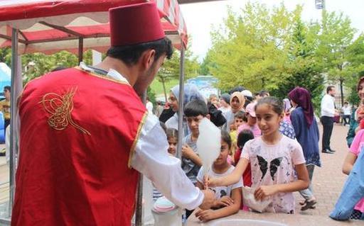 Лучший способ для привлечения детей в мечети придумали в Турции