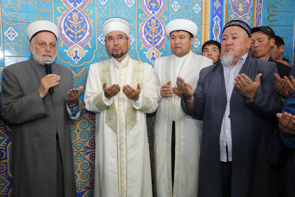 Верховный муфтий встретился с джамаатом Алматы (фото)